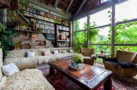 Starou stodolu majitel zrekonstruoval na pohádkové bydlení s kouzelnou atmosférou