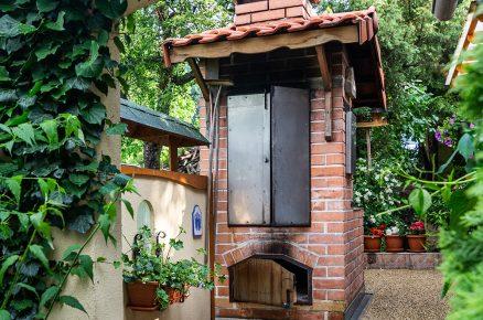 Jak postavit kvalitní zahradní krb, gril, pec audírnu vjednom?