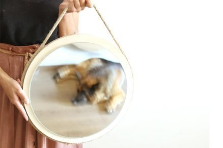 Vyrobte si originální zrcadlo na stěnu