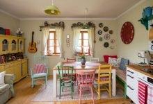 barevná venkovská kuchyně
