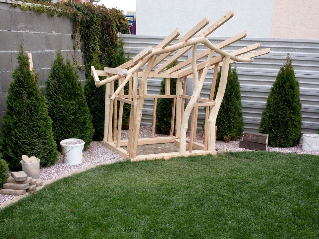 kulatinová konstrukce na zahradní domek