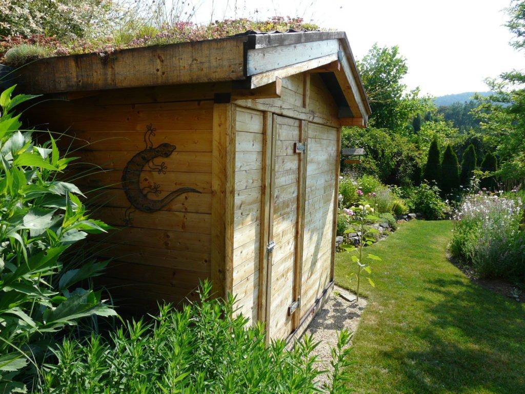 zelená střecha na zahradním domku jako alternativa k zadržování vody v zahradě