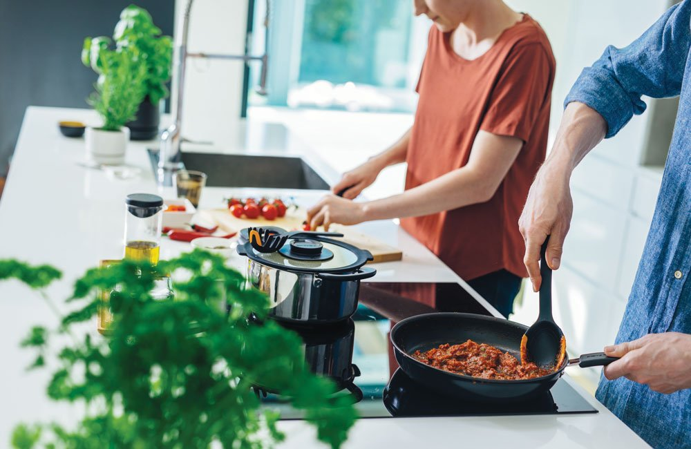 vaření s nádobím Fiskars