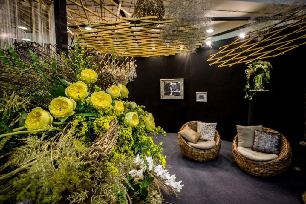místnost s květinovým aranžmánem na Floře Olomouc