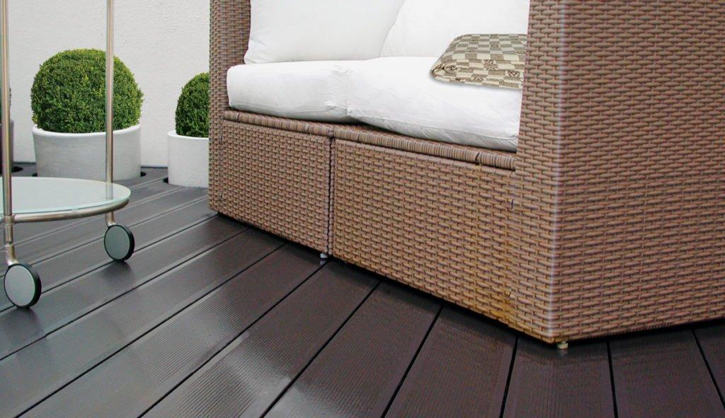 hotová terasa z dřevoplastu