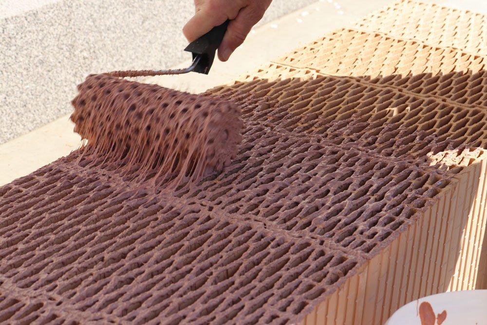 tenkovrstvá zdicí malta s pojivem na bázi vodního skla a alkalivzdorné polymerní disperze