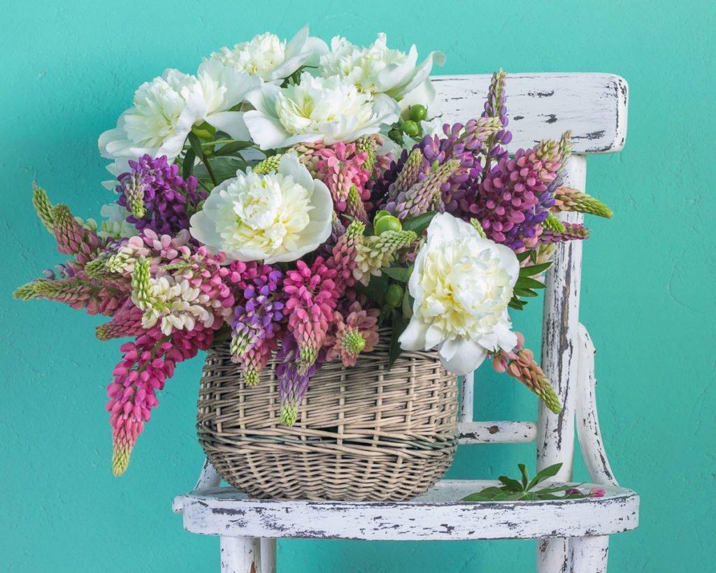 aby květiny ve váze dlouho vydrželi