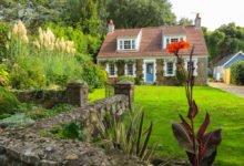rodinný dům se zahradou na polostínnem pozemku