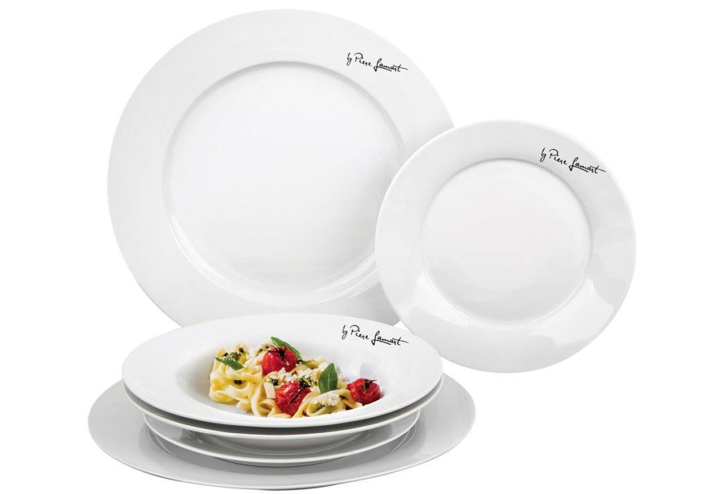 porcelánová sada jídelních kulatých talířů v bílé barvě