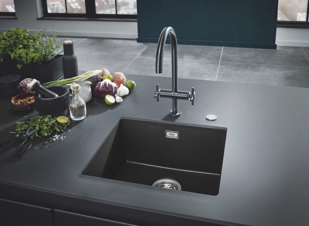 černý granitový kuchyňský dřez