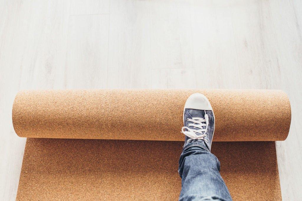 jak na pokládku korkové podlahy
