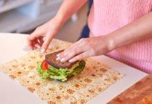 Jak vyrobit voskový ubrousek: balení sendviče do voskového ubrousku