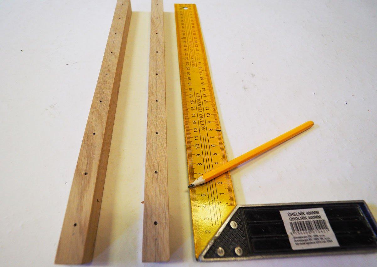 Jak vyrobit multifunkční dřevěný stojan na nádobí nebo knížky: vyměření částí stojanu