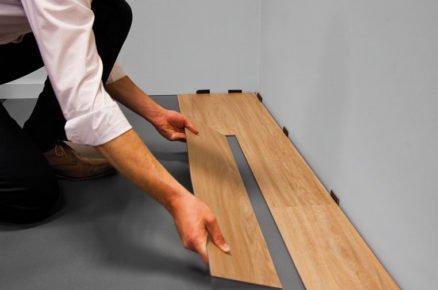 Zacvakávání vinylové podlahy
