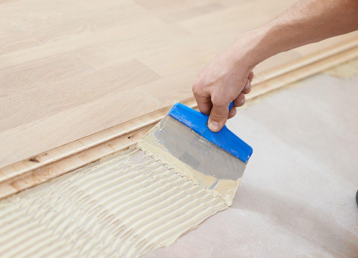 Jak správne nanášet lepidlo na dřevo