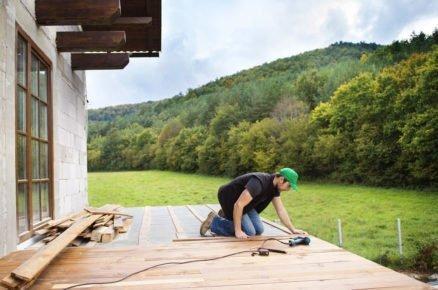 12 věcí, na které myslete dřív, než začnete stavět terasu