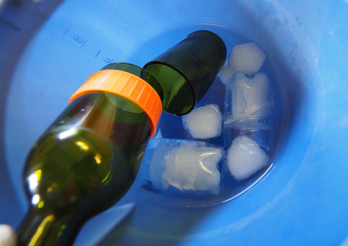 Jak rozřezat lahev: Studená lázeň