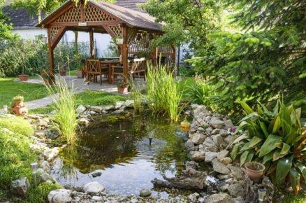 6 řešení pro zahradu a terasu: Jezírko si můžete vybudovat i na úzkém pozemku