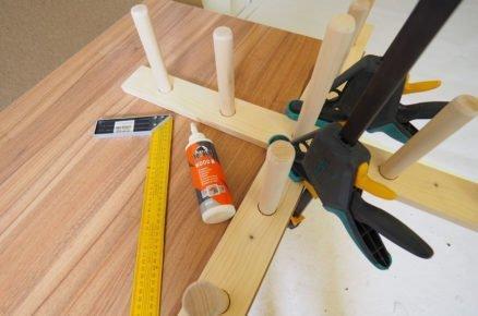výroba házecí hry s kroužky - lepení