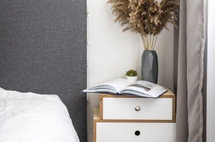 Zařízení ložnice ve skandinávském stylu