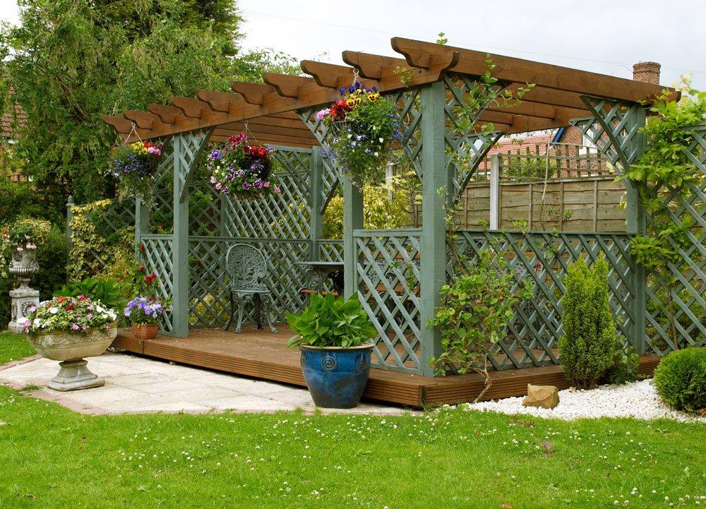 Řešení zahrady: Zahrada s terasou a altánkem