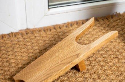 Dřevěná vyzuovací lžíce na boty