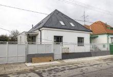 Zrekonstruovaný rodinný dům čtvercového půdorysu