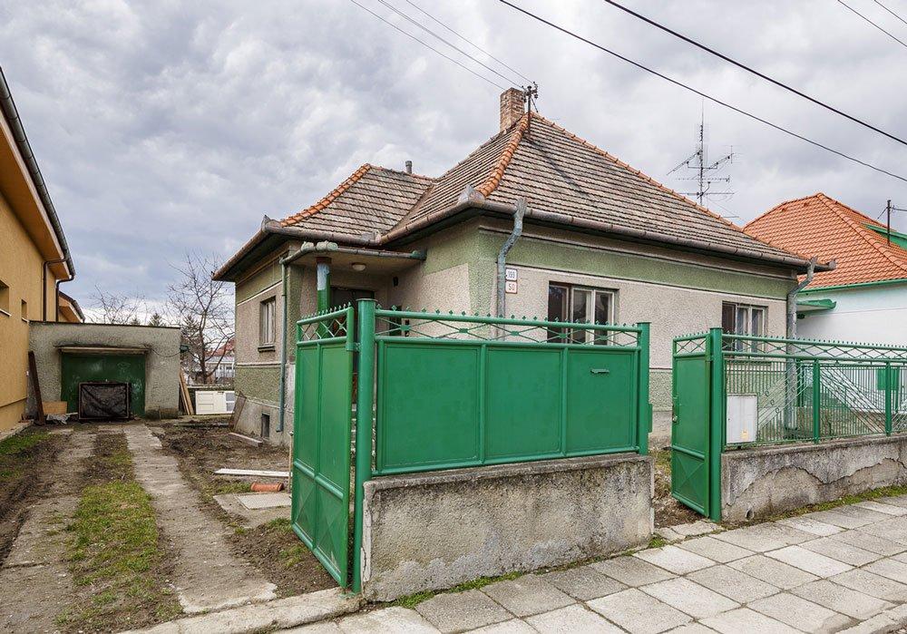rekonstrukce čtvercového rodinného domu