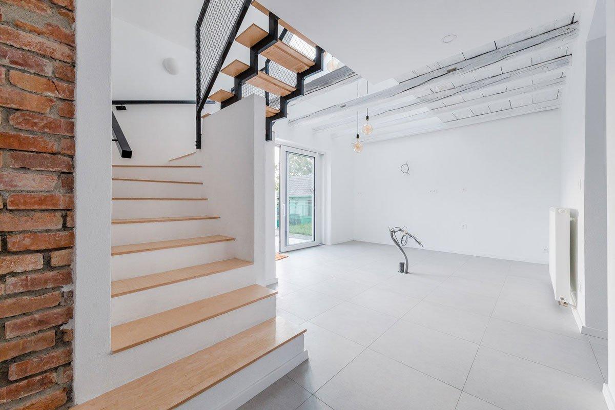rekonstrukce čtvercového domu, nový centrální prostor