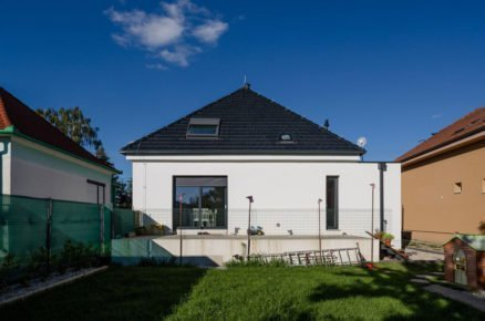 Po rekonstrukci: Rodinný dům čtvercového půdorysu