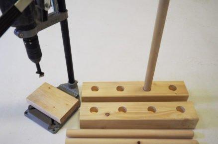 výroba stojanu na boty: vyvrtání slepých otvorů