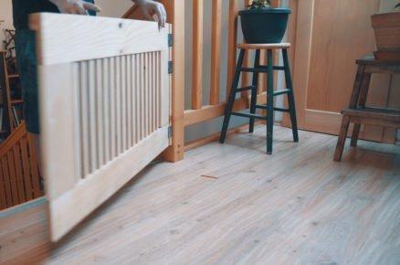 jak vyrobit dřevěnou zábranu na schody