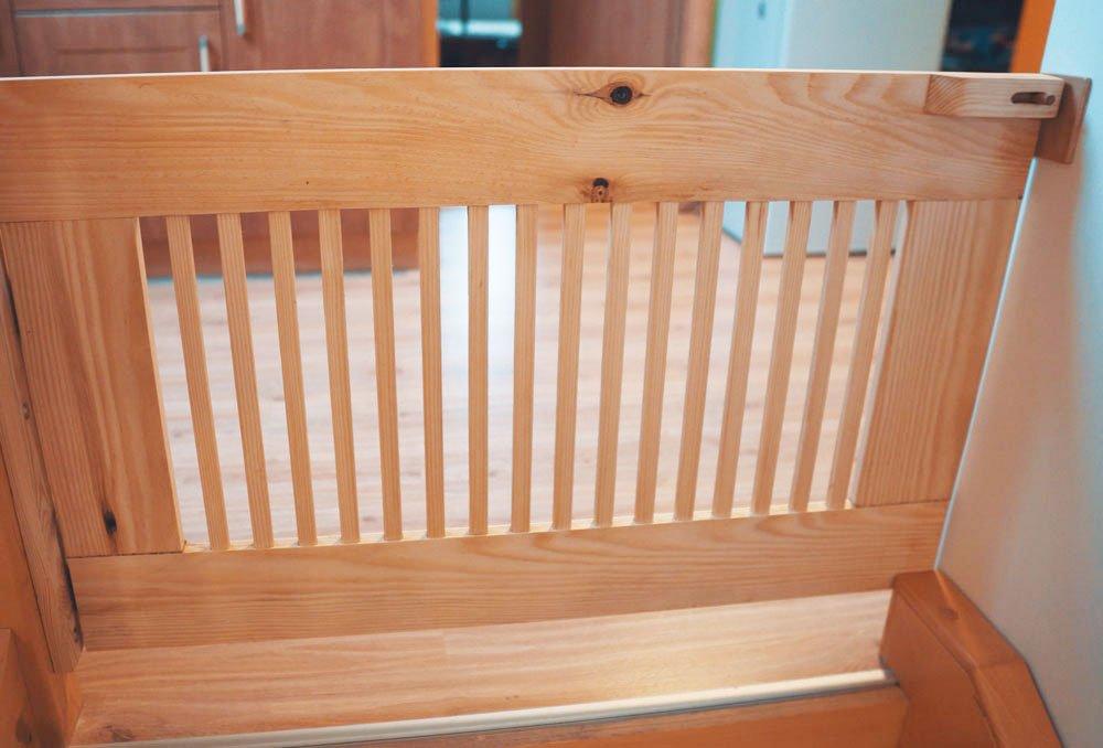 Hotová dřevěná zábrana na schody