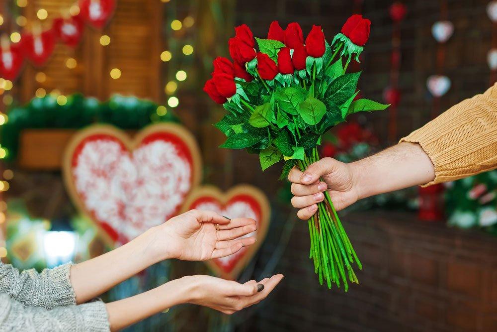 Den svatého Valentýna kvíz, darování kytice