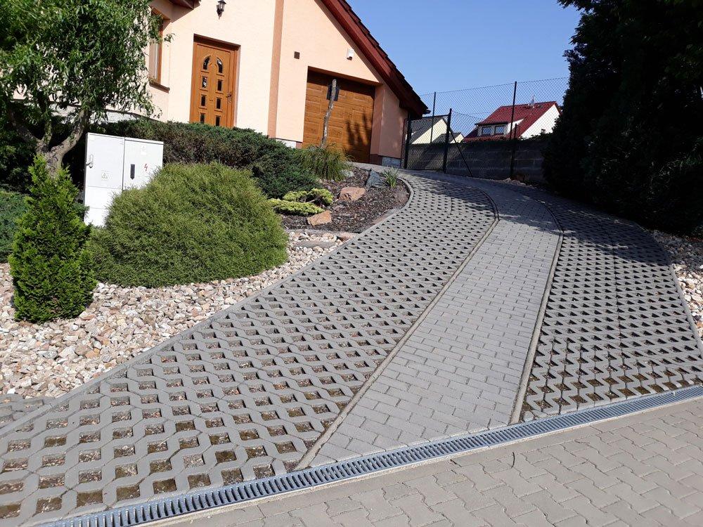 betonova zatravňovací dlažba Andezit