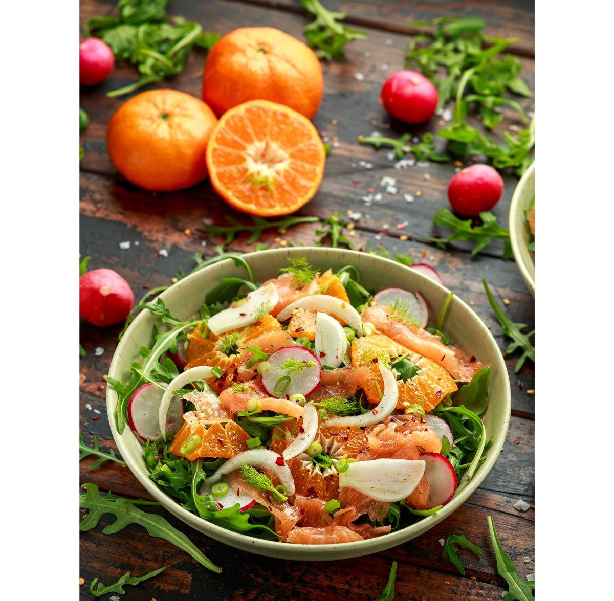 Recept na zelený salát suzeným lososem