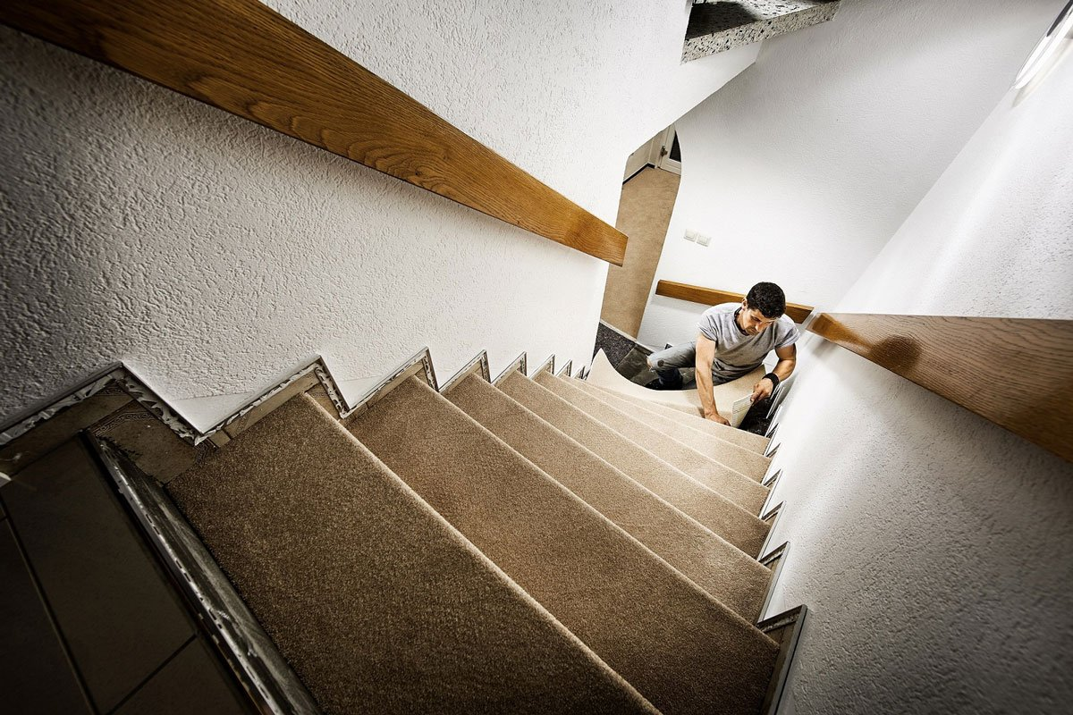 Renovace schodů, pokládka koberce