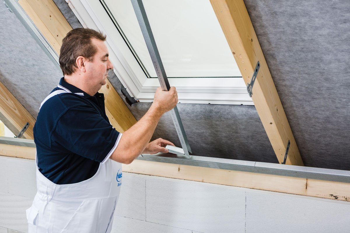 Jak správně opláštit střešní okno