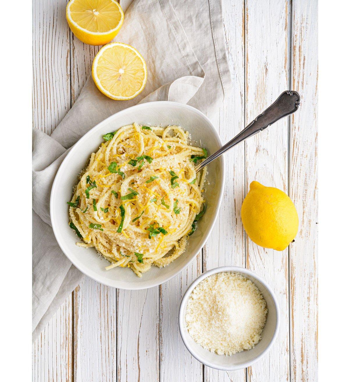 Rychlé špagety scitronovou omáčkou