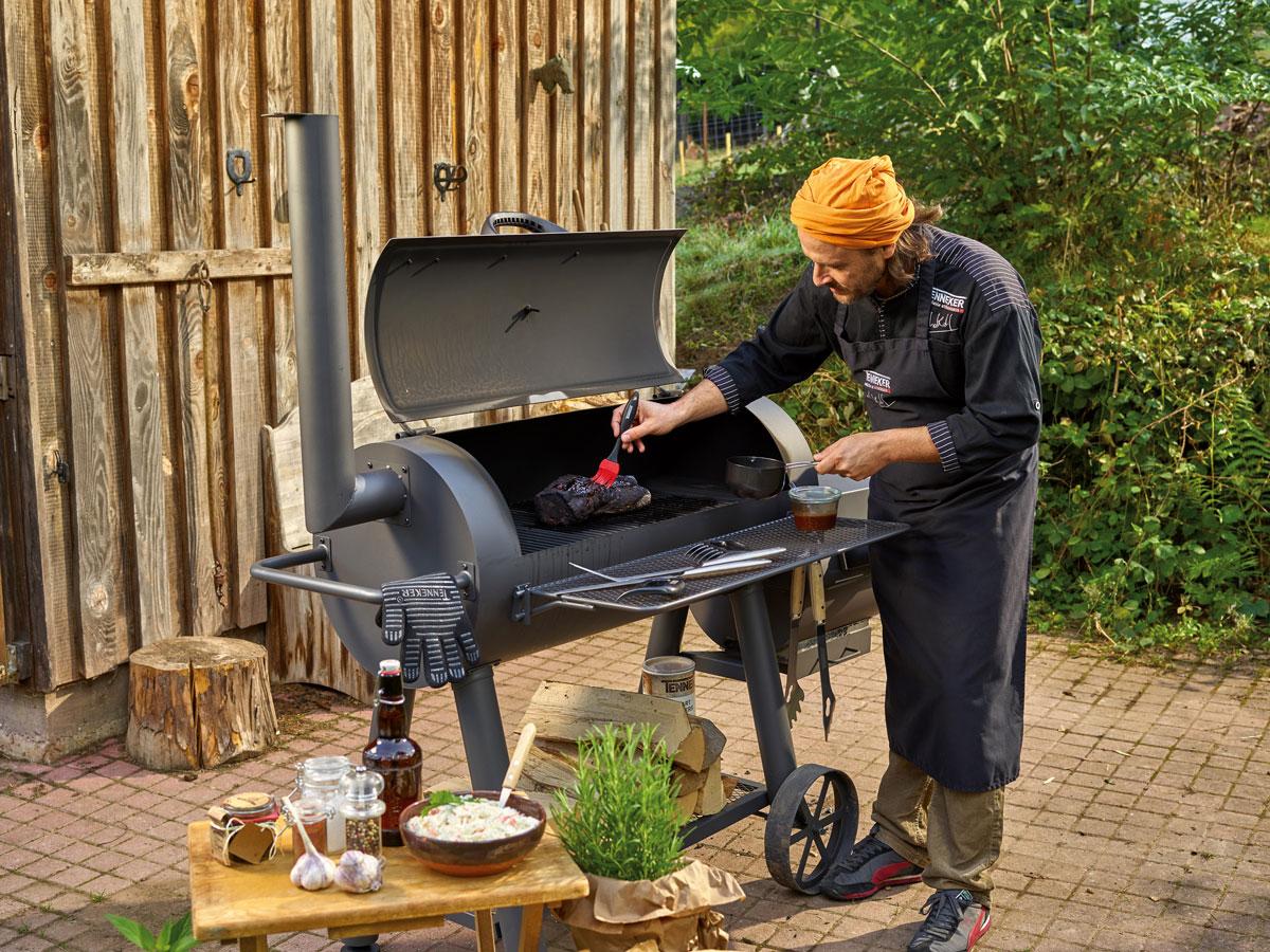 Gril na dřevěné uhlí Tenneker
