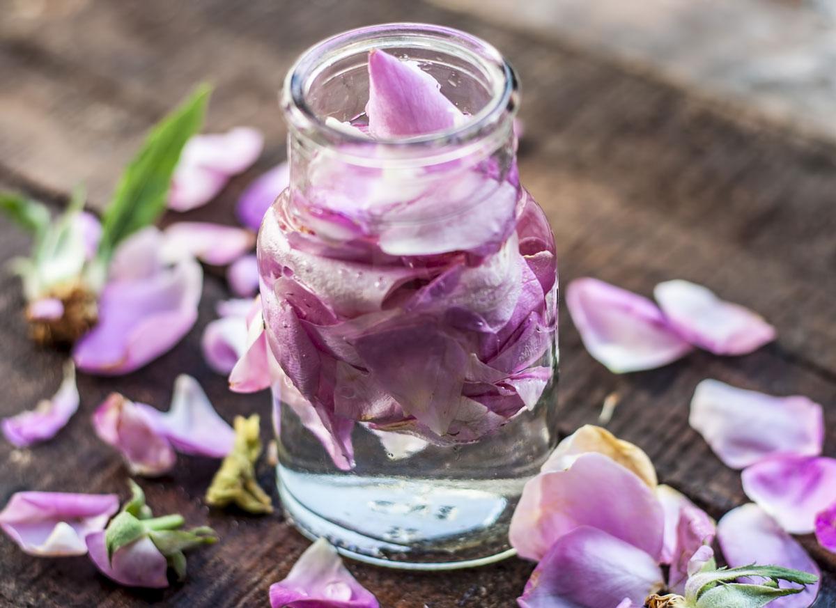 Pleťová voda z růží