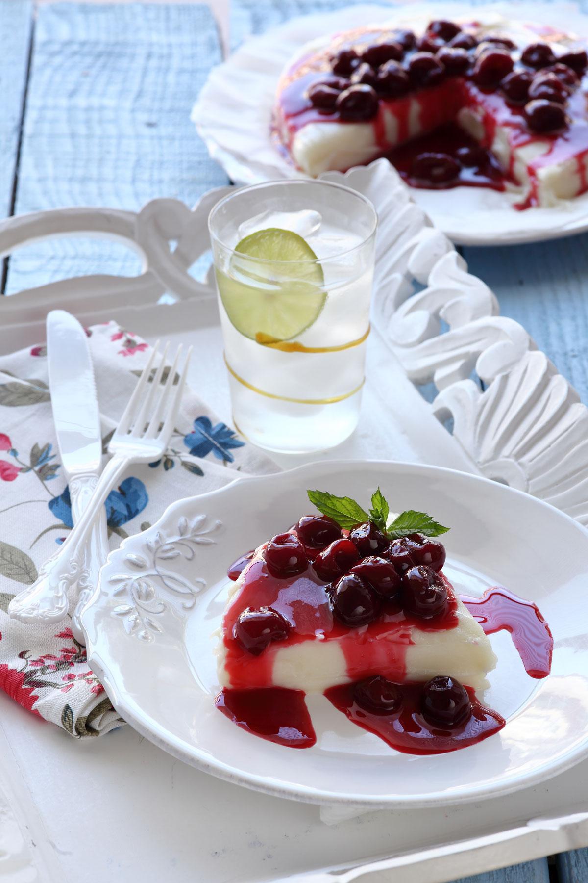 Třešňový cheesecake