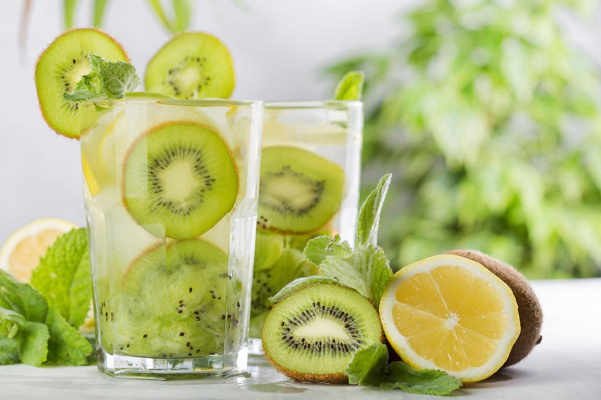 Voda s kiwi a citronem